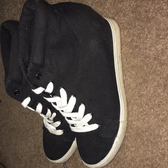 Shoes - High pumped sneakers